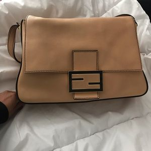 Large Fendi Bag 1000% authentic
